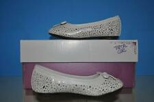 Total Girl Courtny White Flat Shoes Multiple Sizes NIB FAST HANDLING TIME