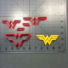 Wonder Woman Cookie Cutter Set