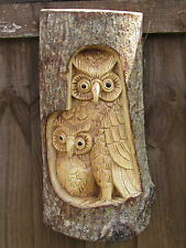 WOODEN HAND CARVED OWL 2 DESIGNS FAMILY OR SINGLE WALL HANGING PLAQUE 30CM