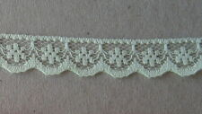 CRAFT-SEWING-LACE 13mm Green Pretty Flower Design (metre varieties available)