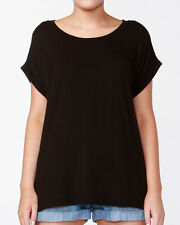 Santiago Tee by BETTY BASICS*