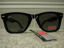 Ray Ban RB4105 Folding Wayfarer Sunglasses Glossy Black Frame Gray Polarized