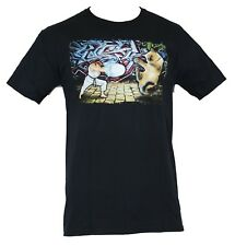 Street Fighter II Mens T-Shirt - Ryu verses Kitten Final BAttle