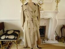 Burberry Trench Coat / Rain Coat & Horse Brooch Size Large Very Good Condition