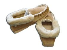 NEW Genuine Unisex AUSTRALIAN SHEEPSKIN Moccasins Slippers CHESTNUT SIZES 4-12