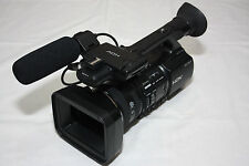 SONY HVR-Z5E CAMCORDER  3MOS HDV HD PROFESSIONAL DIGITAL HIGH DEFINITION + EXTRA