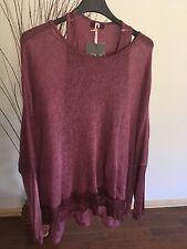 LOLA Made in Italy ~  Top Size M~  NWT