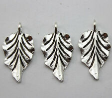Free shipping 10/30/50pcs Tibet silver Beautiful leaves alloy Charms pendants