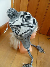 SEEBERGER WHITE GREY BLACK KNITTED PIGTAIL BOBBLE  BEANIE PERUVIAN HAT ONE SIZE