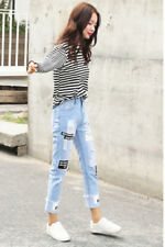 Women's Applique Turn-Up Cuff Destroyed Hole Tapered Crop Jeans Denim Pants