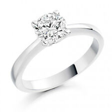 18ct White Gold Diamond set Solitaire Engagement Ring 0.31 carat  Diamond