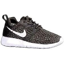 Nike Roshe Run Flight Weight - Boys' Primary Sch. Running Shoes (BK/BK/WT)