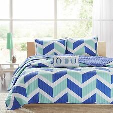 NEW Twin XL Full Queen Bed Blue Aqua White Chevron Owls 4 pc Quilt Coverlet Set