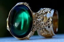 EMERALD GREEN GLASS KNUCKLE ART RING GOLD VINTAGE WOMEN ARTY CHUNKY STATEMENT