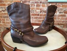 B Makowsky Hudson Brown Leather Removable Harness Boots New