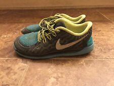 NIKE BOY'S CROSS TRAINER SIZE 3.5 YOUTH PRE- OWNED!