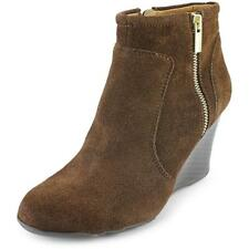 Kenneth Cole Reaction Tell Lily Pad Women  Round Toe Suede Brown Bootie NWOB