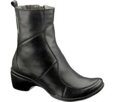 HUSH PUPPIES Women's •Ducal• Short Shafted Boot