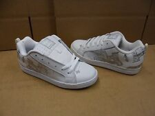 DC Shoes Women's Court Graffik SE White / Silver Shoes 301043 Display