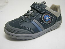 CLARKS BOYS CASUAL SHOES IN NAVY LEATHER F WIDTH WING BRITE INF