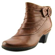 Cobb Hill by New Balance Sabrina  N/S Round Toe Leather  Bootie