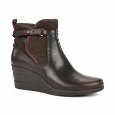 UGG Australia Womens Emalie Brown Stout Leather Ankle Boot