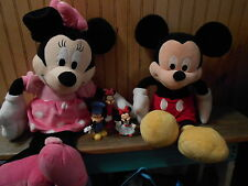 lOT OF MINNIE & MICKEY STUFFED 1MICKEY 1 MINNIE HARD PLASTIC... 1 MINNIE PEZ...