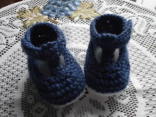 HAND KNITTED  BABY SHOES / BOOTIES 0-3 MONTHS T-BAR