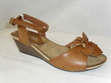 New Ladies Spot On Camel Brown Small Wedge Heel Flower Sandals Open Toe F1935