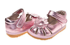 NEW Girls Toddler Sandle Shoe in White or Metallic Pink. Squeaky Shoes. Pretty.