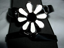 "Onesole Interchangeable Top ""Strappies"" Black & White Daisy"