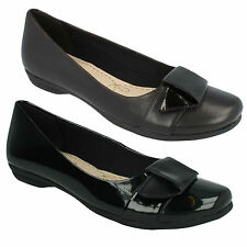 LADIES CLARKS SLIP ON LEATHER PATENT BALLERINAS FLAT SHOES SIZE DISCOVERY DIME