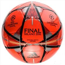 Adidas UEFA Champions League Finale Milano Capitano Football 2015-16 (Red)
