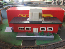 Triang Hornby R 474 Terminus Building with Platform and Accessories OO/HO