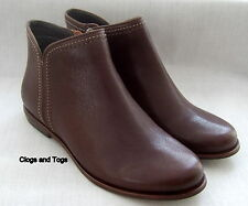 NEW CLARKS HANDCRAFTED KOBA BERE WOMENS BROWN LEATHER ANKLE BOOTS 4.5 / 37.5