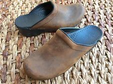 GUC DANSKO Brown Oiled Leather Slip On Mules Stapled Clogs Shoes Sz 39 8.5, 9