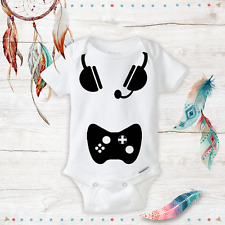 Geeky Baby Onesie Born Gamer- Unisex Baby Outfit Nerd Awesome - Baby Shower Gift