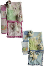 BABY GIRLS/ BOYS 5 PIECE GIFT SET 2 BIBS,BLANKET,BOOTEES & RATTLE COMFORTE TOY