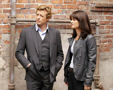 ROBIN TUNNEY SIMON BAKER THE MENTALIST IN SUITS PHOTO OR POSTER