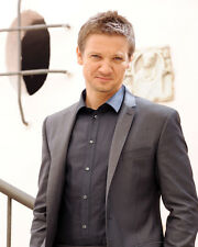 JEREMY RENNER IN SUIT THE BOURNE LEGACY PHOTO SHOOT PHOTO OR POSTER