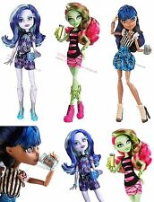 Monster High Coffin Bean Wave 2 Robecca Steam Venus Mcflytrap & Twyla