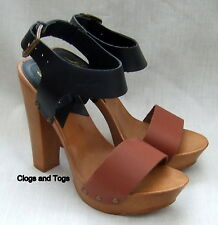 NEW LEVI'S BLACK / BROWN LEATHER SANDALS SIZE 5 / 38