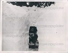 1952 CA Tunnel Streamliner City San Francisco Snowbound Outside Press Photo