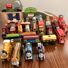 Thomas the Train Wooden Railway LOT OF 29 TRAINS & ACCESSORIES - MANY RETIRED!