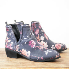 Sbicca Rosette Comfortbable Synthetic Sole Leather Ankle Boot Black/Multi