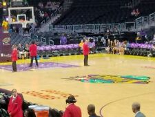 (2) LA LAKERS vs CHARLOTE HORNETS Tickets *1/5/18* =====LAKERS TUNNEL BENCH=====