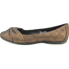 B.O.C Womens Lilly Leather Closed Toe Ballet Flats