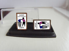 WEST HAM UNITED SUPPORTERS KEEP YOUR AREA TIDY BADGE MENS CUFFLINKS GIFT