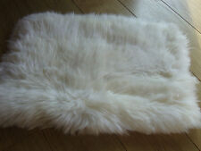 GENUINE SHEEPSKIN RUG FOR SEAT, MAT, THROW, NURSERY, MEDICAL OR PET USE 51x33cms