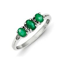 Sterling Silver 3 Stone Oval Emerald & 0.01 CT Diamond Ring 1.33 gr Size 6 to 8